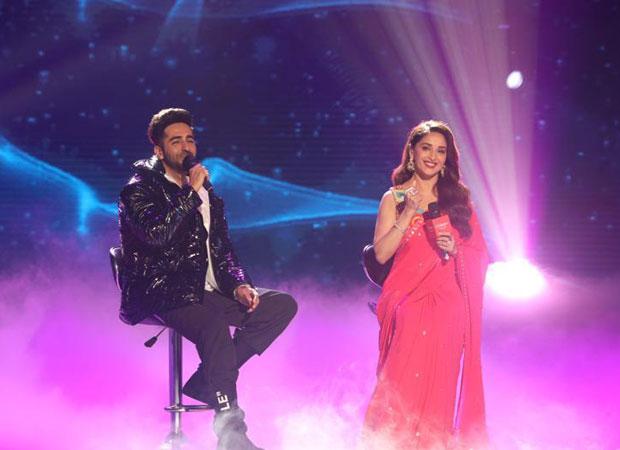 Madhuri Dixit sings 'Yeh Ladka Haye Allah' on Ayushmann Khurrana's request