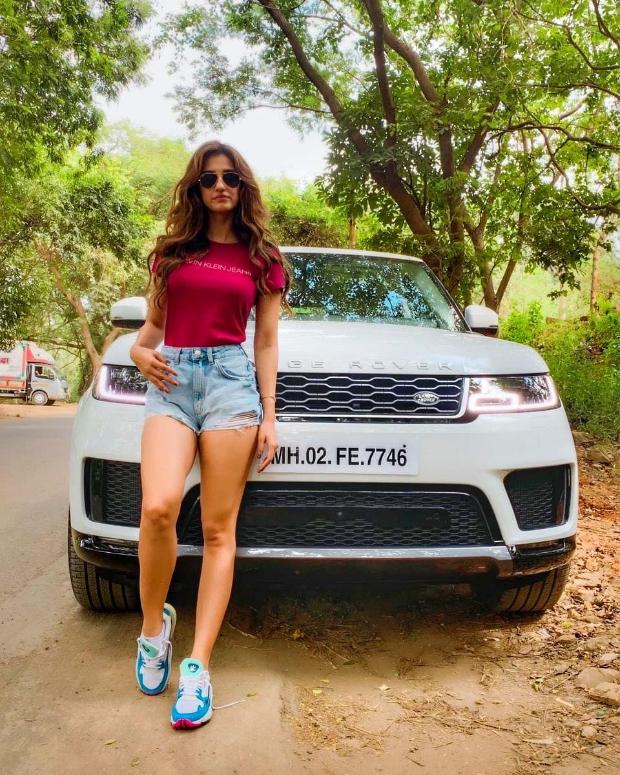 Disha Patani buys a swanky Range Rover Sport SUV worth Rs. 1.5 crores