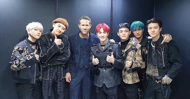 6 Underground star Ryan Reynolds meets Korean band EXO and fans are losing it