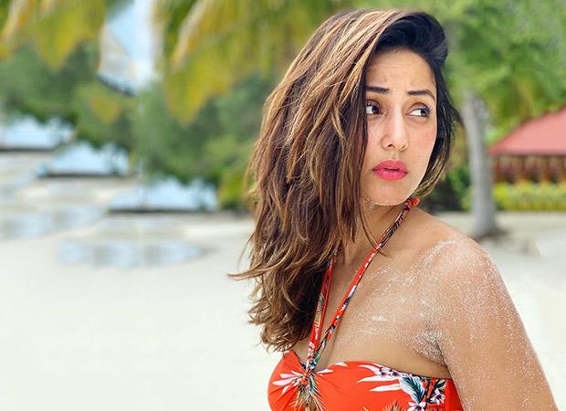 Hina Khan flaunts her perfect body in an orange BIKINI by the beach in Maldives
