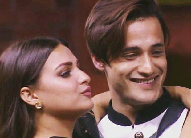 ASIM RIAZ goes down on one knee and asks Himanshi Khurana to MARRY HIM on Bigg Boss 13!
