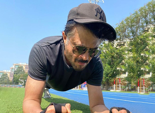 Anil Kapoor planks for a better India, giving the younger lot a run for their money!