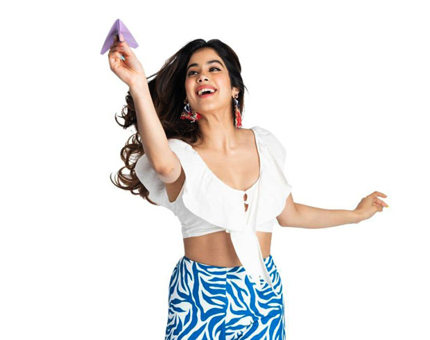 EXCLUSIVE: Janhvi Kapoor to take her fan on a helicopter ride through Fankind