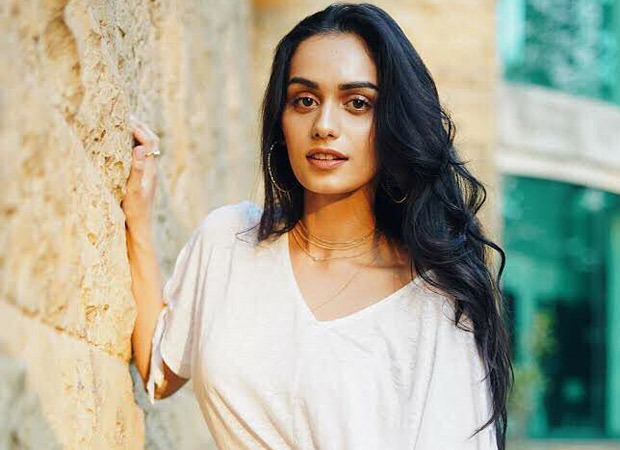 "Manushi Chhillar - ""I salute the doctors and nurses who are in the thick of action"""