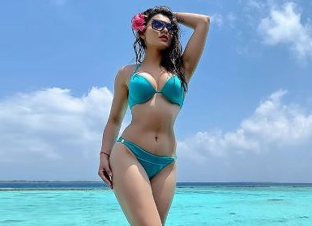 Urvashi reminisces happier times; shares throwback bikini picture
