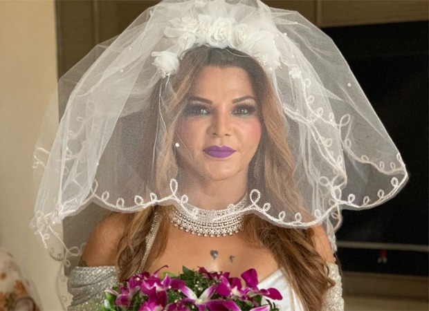 Check out Rakhi Sawant shares unseen pictures from her wedding