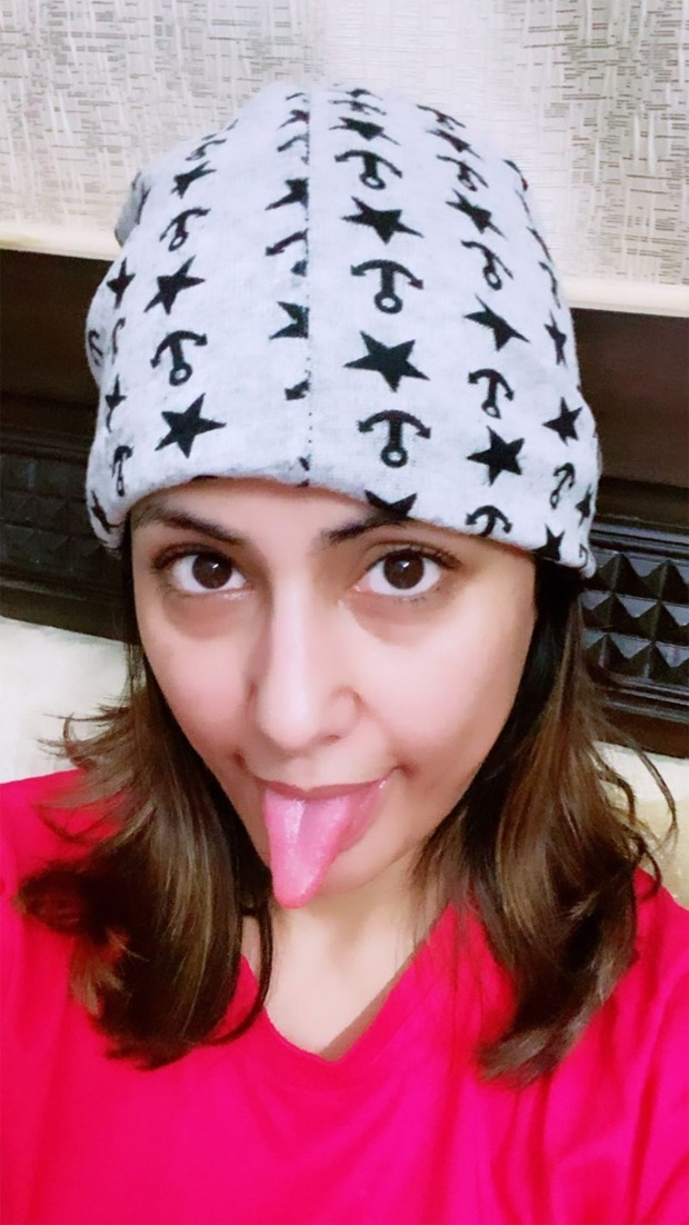 Hina Khan's goofy pictures are going to brighten your quarantine mood!