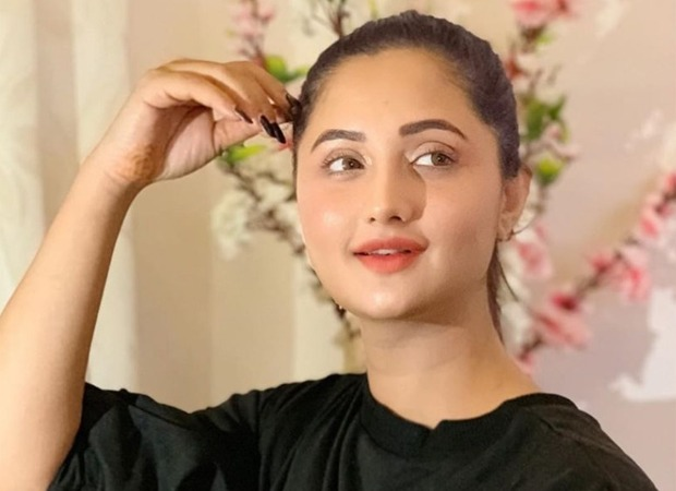 Rashami Desai shares her laud-worthy experience of strumming a guitar for the first time