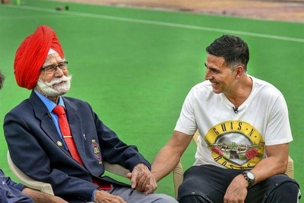 Akshay Kumar expresses grief as legendary hockey player Balbir Singh passes away