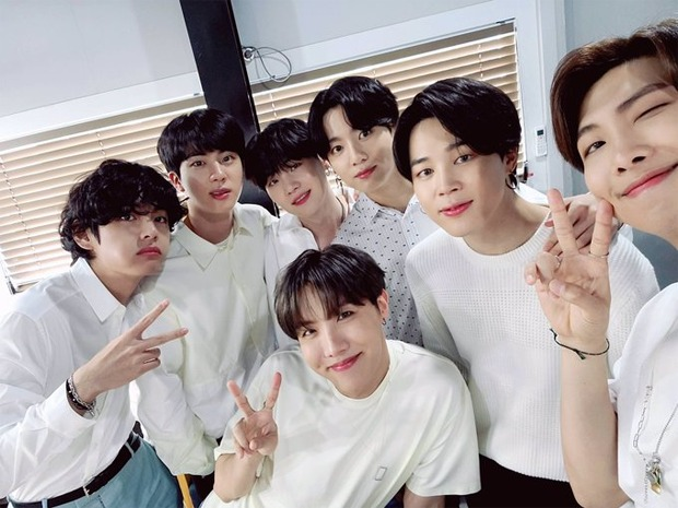 BTS poses for a group selfie and it's their first OT7 photo in a while