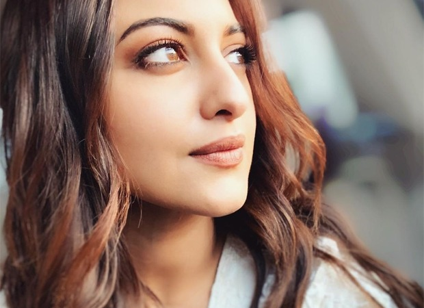 Sonakshi Sinha's fans donate PPE kits to a hospital in Pune, the actress is grateful and proud