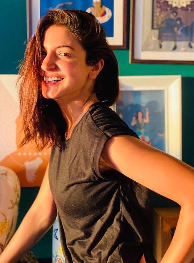 Anushka Sharma shares sun-kissed picture, Virat Kohli calls her gorgeous