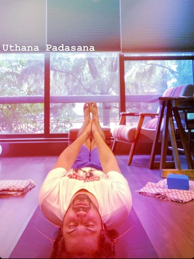 Varun Dhawan gives major fitness goals as he aces 'uttana padasana' yoga pose