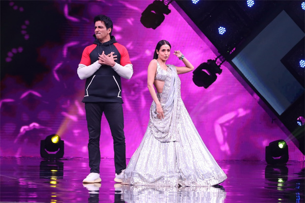 Sonu Sood and Malaika Arora recreate 'Munni Badnaam Hui' on India's Best Dancer!