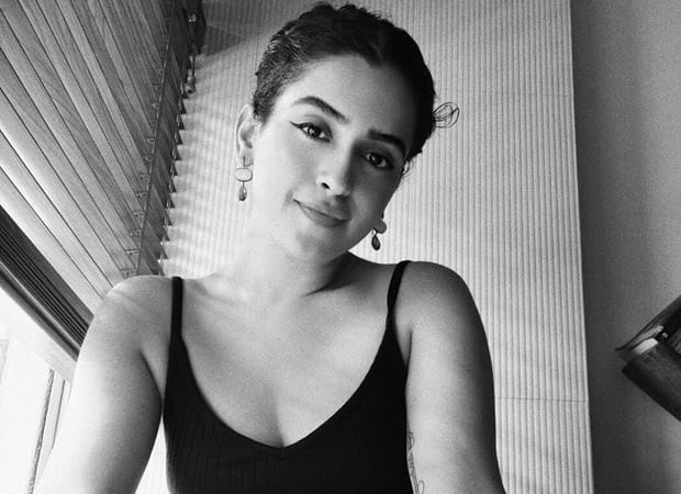 Dancing into the weekend, Sanya Malhotra shares some jaw-dropping dance moves