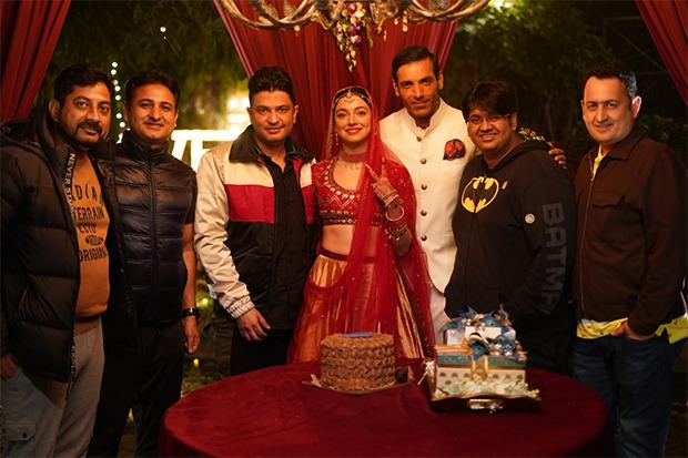 Divya Khosla Kumar celebrates her birthday Satyamev Jayate 2 set with John Abraham, Bhushan Kumar & Milap Zaveri