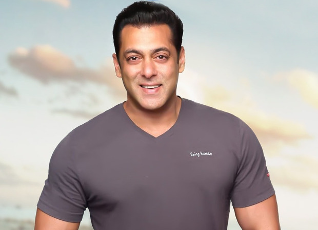 Salman Khan to do two look look tests for Mahesh Manjrekar's Antim
