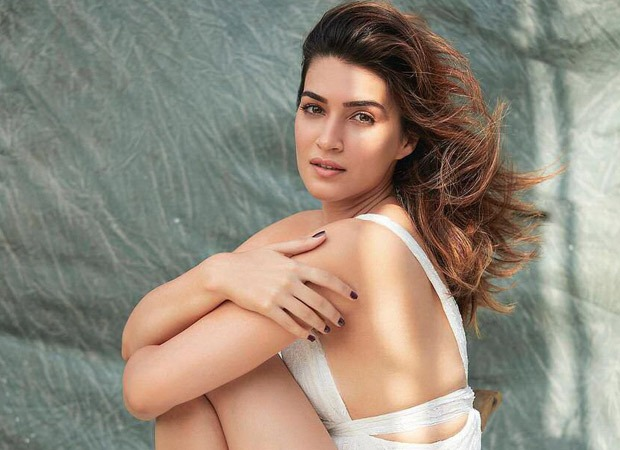 Kriti Sanon announces that she has tested COVID-19 positive, informs that she has quarantined as per the BMC's orders