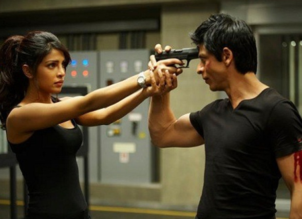 Farhan Akhtar celebrates two years of Shah Rukh Khan- Priyanka Chopra starrer Don 2; says the chase is on