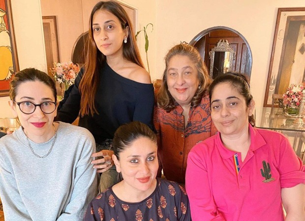 Kareena Kapoor Khan poses with Karisma Kapoor and family during a quiet Saturday lunch
