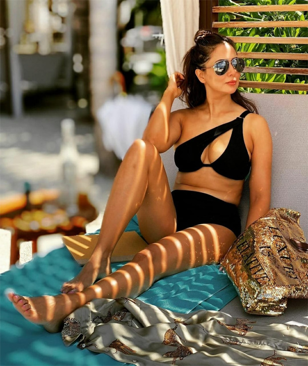 Kim Sharma sets the internet ablaze in black bikini