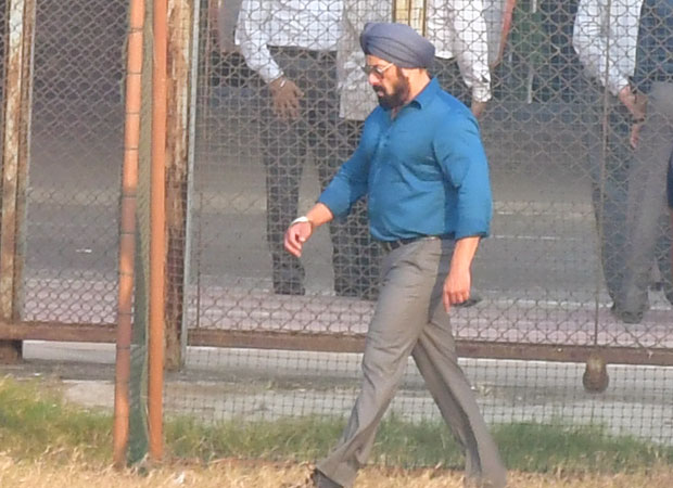 Salman Khan was spotted looking dapper the shoot of Antim The Final Truth in Bandra