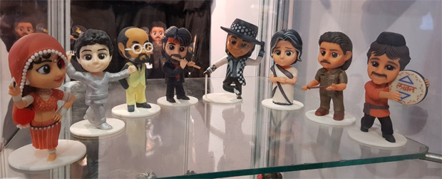 Subhash Ghai's Mukta Arts collaborates with DesiPopWorld to get into merchandising; launches pop art figurines of popular characters Ram and Lakhan