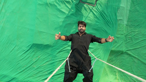 Shabir Ahluwalia pulls off a daredevil stunt for his own death sequence in Kumkum Bhagya