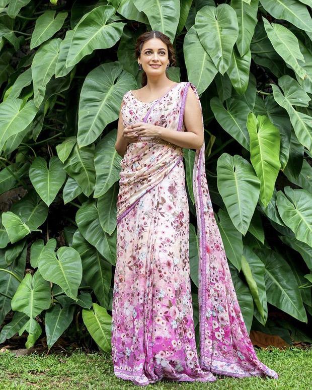 COLOR OF THE WEEK - PINK: Janhvi Kapoor, Shanaya Kapoor, Ranveer Singh set the summer vibe