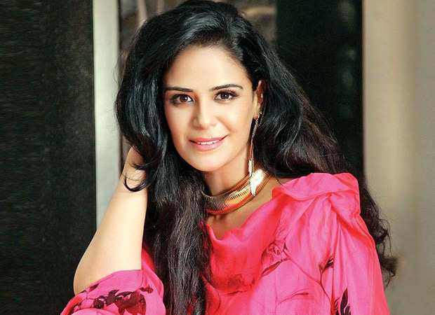 Mona Singh set to comeback on Television after five years as a host of Mauka-e-Vardaat 2