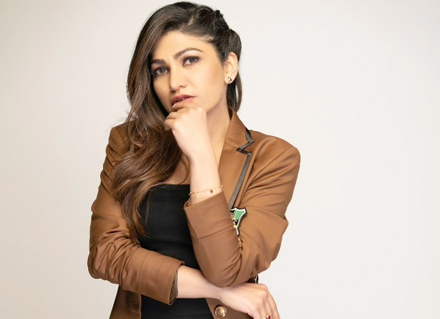 Tulsi Kumar join hands with Mission Josh for a campaign to save 5000 lives of those affected by COVID-19