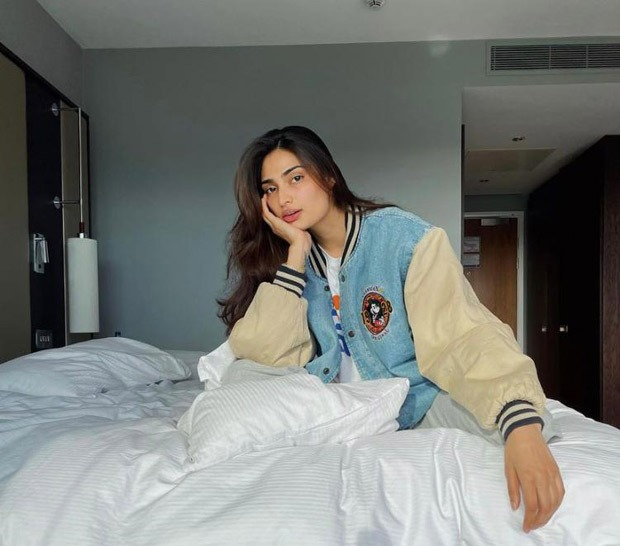 Athiya Shetty gives a glam twist to a casual look with a bomber jacket