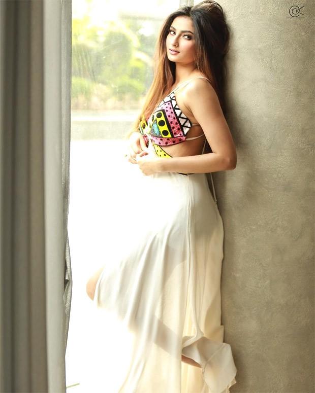 Shweta Tiwari's daughter Palak Tiwari stuns in off-white slip dress with multi-colour bustier