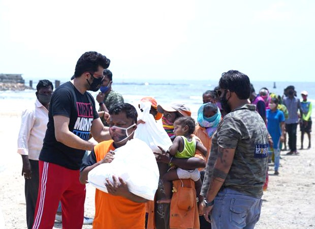 Maniesh Paul offers aid to BMC workers post Cyclone Tauktae