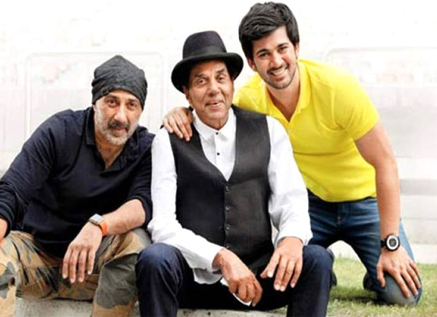 """""""You are as humble as your great grandmother"""", says Dharmendra as he shares a video of Karan Deol obliging his fans for pictures"""