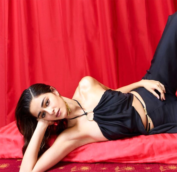 Bold in Black, Ananya Panday slays it in her latest pictures