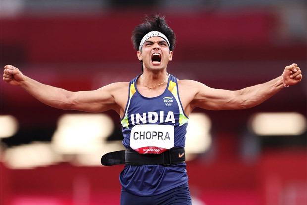 Neeraj Chopra makes history with gold medal win at Tokyo Olympics; Akshay Kumar, John Abraham, Anil Kapoor celebrate his exemplary performance