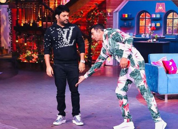 Kapil Sharma claims Akshay Kumar sought his blessings by touching his feet; Bellbottom star trolls him