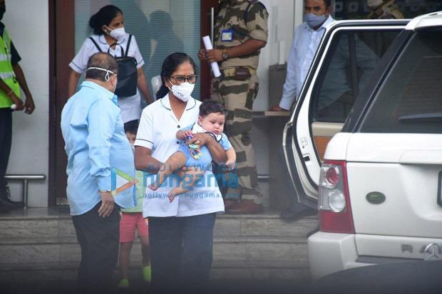 Kareena Kapoor Khan, Saif Ali Khan, Taimur back from Maldives; baby Jeh Ali Khan's looks adorable in blue onesie