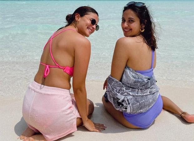 Bikini Babes! Alia Bhatt shares a throwback picture from Maldives trip to wish her best friend Akansha Ranjan Kapoor on her birthday (1)