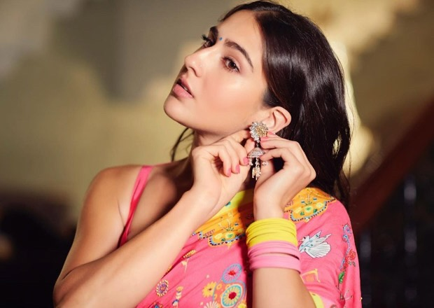 Sara Ali Khan goes desi in a printed pink saree for Global Citizen Concert