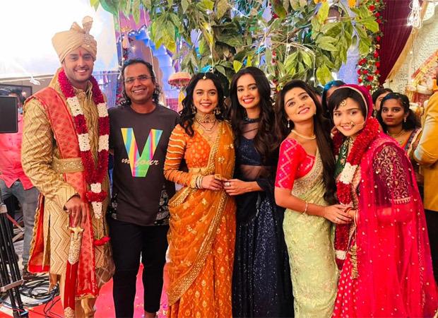 Shubra, Rani, Mahi and Prachi make a grand entry at Meet's wedding